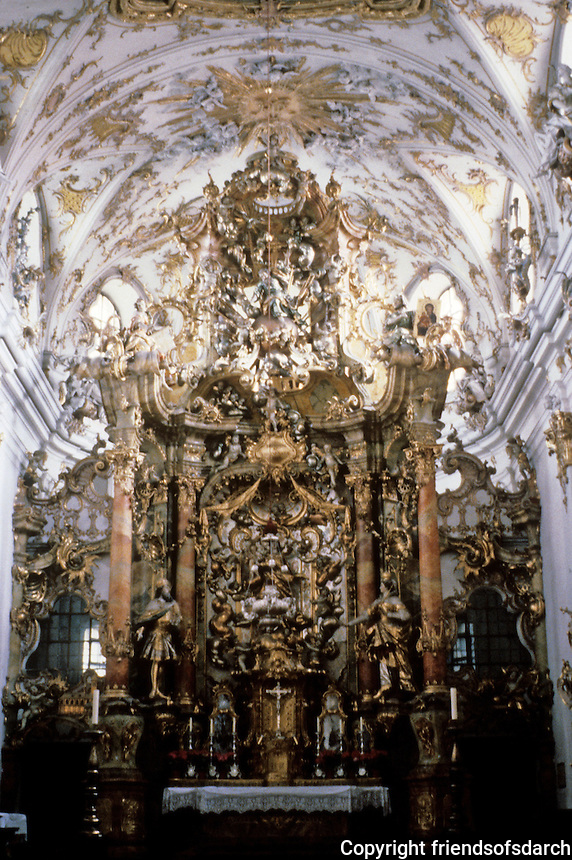 Vienna: St. Charles Borromeo--close-up view of altar.