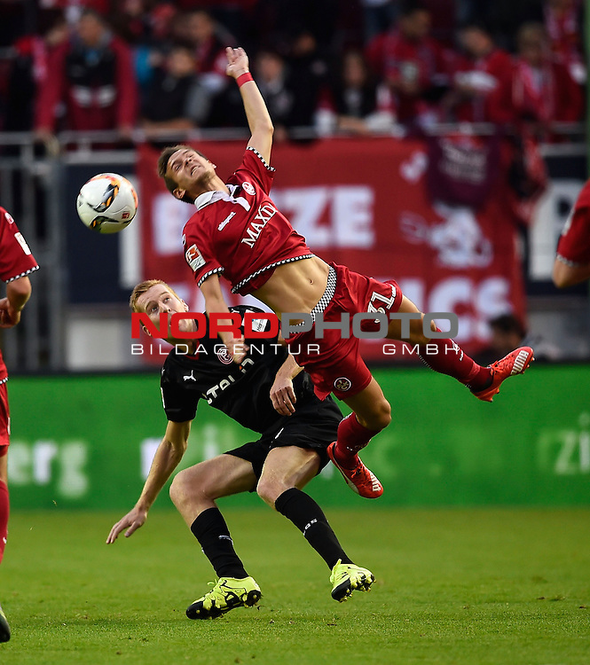 2. Liga  2015/2016, 10. Spieltag Hinrunde, 1. FC Kaiserslautern vs. Fortuna D&uuml;sseldorf<br /> Mike van Dunen (D&uuml;sseldorf), Chris L&ouml;we (Kaiserslautern)<br /> <br /> <br /> Foto &copy; nordphoto /  Bratic