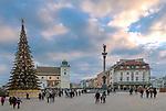 Plac Zamkowy, widok w kierunku Krakowskiego Przedmieścia, Warszawa, Polska<br /> Castle Square, view towards Krakowskie Przedmieście, Warsaw, Poland