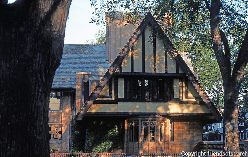 F.L. Wright: Moore House, Oak Park. Side elevation.  Photo '76.