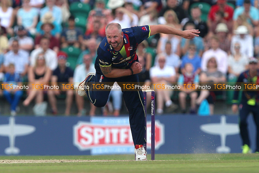 Darren Stevens in bowling action for Kent during Kent Spitfires vs Essex Eagles, NatWest T20 Blast Cricket at The County Ground on 9th July 2017