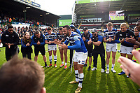 Kahn Fotuali'i of Bath Rugby leads the celebrations in a post-match huddle. Gallagher Premiership match, between Leicester Tigers and Bath Rugby on May 18, 2019 at Welford Road in Leicester, England. Photo by: Patrick Khachfe / Onside Images