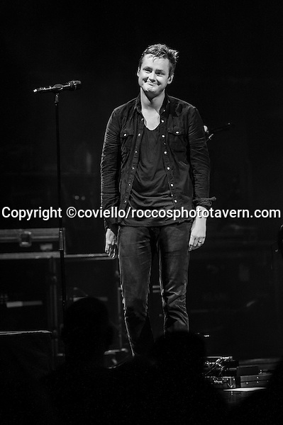 Tom Chaplin of Keane gives The Boston House of Blues audience a heartfelt thanks.