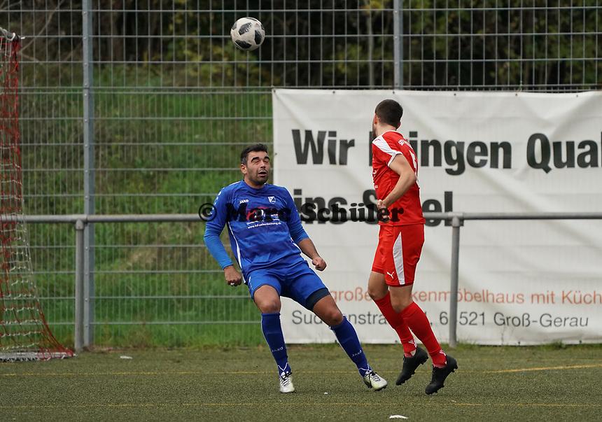 Kopfball Daniel Heinz (Büttelborn) - Büttelborn 03.11.2019: SKV Büttelborn vs. SV 07 Nauheim, Gruppenliga Darmstadt