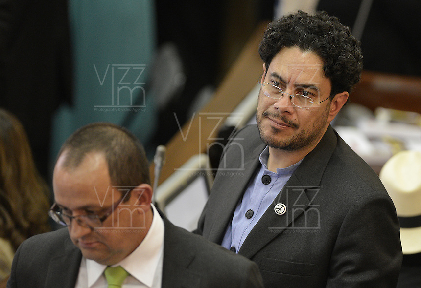 BOGOTA -COLOMBIA. 20-07-2014. Iván Cepeda, senador electo, durante la Instalación del Congreso de la República de Colombia período 2014-18 por parte del presidente, Juan Manuel Santos en el Salón Elítico del Capitolio Nacional./ Ivan Cepeda, senator elected, during the installation of the Congress of the Republic of Colombia period 2014-18 by the president, Juan Manuel Santos at the Salon Eliptico of the National Capitol. Photo: VizzorImage/ Gabriel Aponte / Staff