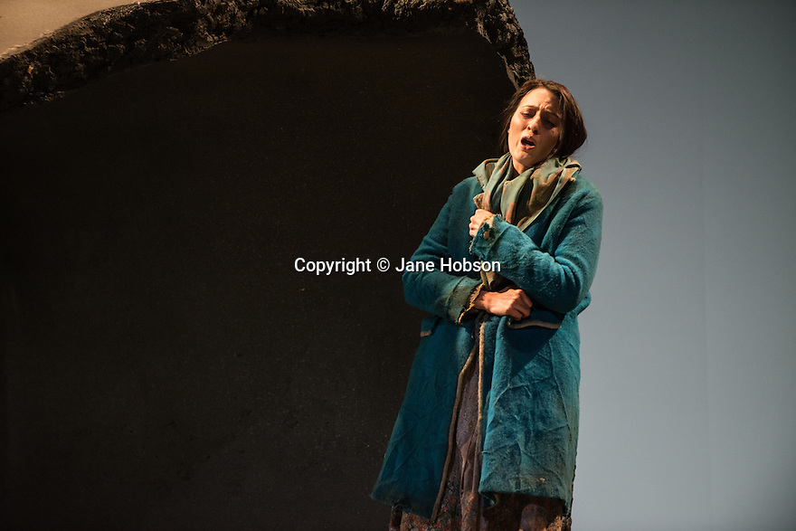 English Touring Theatre's production of THE SIEGE OF CALAIS by Donizetti, opens at Hackney Empire, prior to touring. Picture shows: Paula Sides (Eleonora).