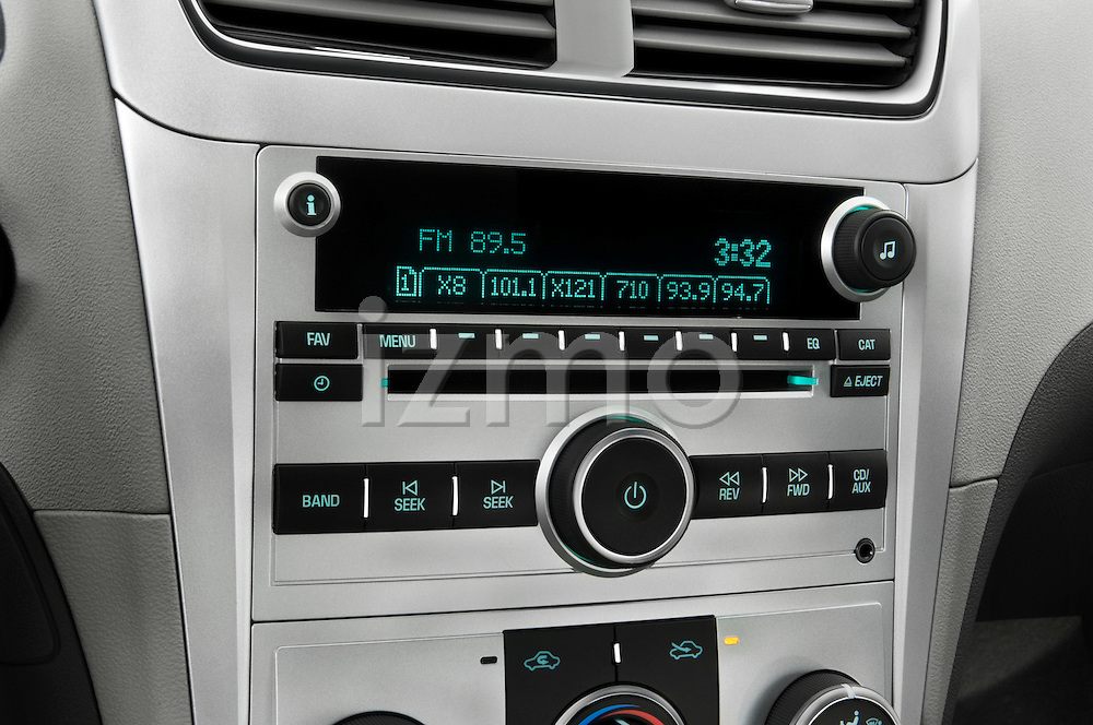 Stereo audio system close up detail view of a 2008 Chevrolet Malibu Sedan