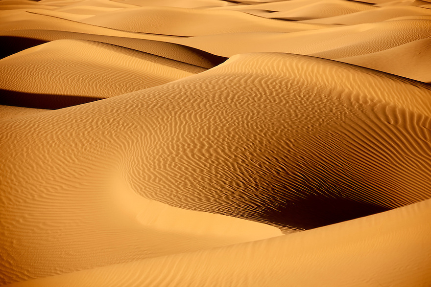 Picture of sand dunes in the Sahara desert of Morocco.