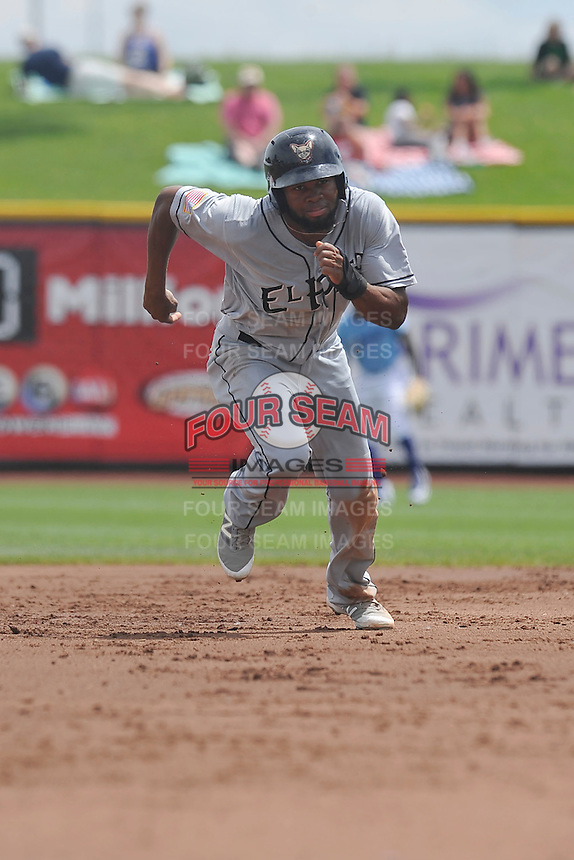 El Paso Chihuahuas Manuel Margot (4) runs to third base during the game against the Omaha Storm Chasers at Werner Park on May 30, 2016 in Omaha, Nebraska.  El Paso won 12-0.  (Dennis Hubbard/Four Seam Images)