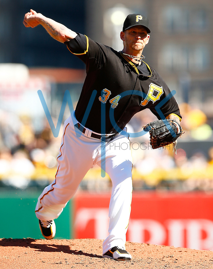 PITTSBURGH, PA - MAY 23:  A.J. Burnett #34 of the Pittsburgh Pirates pitches against the New York Mets during the game at PNC Park on May 23, 2015 in Pittsburgh, Pennsylvania.  (Photo by Jared Wickerham/Getty Images)