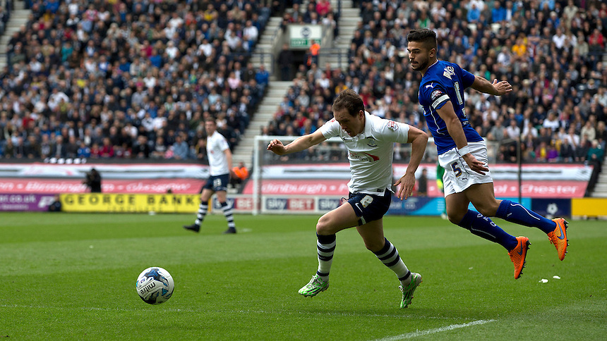 Preston North End's Neil Kilkenny beats Chesterfield's Sam Morsy and advances into the penalty area<br /> <br /> Photographer Stephen White/CameraSport<br /> <br /> Football - The Football League Sky Bet League One Semi-Final Second Leg - Preston North End -  Chesterfield - Deepdale - Preston<br /> <br /> &copy; CameraSport - 43 Linden Ave. Countesthorpe. Leicester. England. LE8 5PG - Tel: +44 (0) 116 277 4147 - admin@camerasport.com - www.camerasport.com