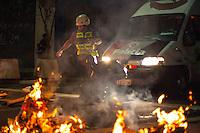 SAO PAULO, SP, BRASIL, QUINTA-FEIRA, 15 DE MAIO DE 2014, PROTESTO CONTRA A COPA DO MUNDO 2014 EM SAO PAULO, Manifestantes entram em confronto com a Policia Militar em Sao Paulo nesta quinta-feira(15), manifestantes partiram da Avenida Paulista em seguiram a Consolacao onde entraram em confronto com a PM, FOTO: WARLEY LEITE/ BRAZIL PHOTO PRESS