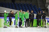 SCHAATSEN: HEERENVEEN: IJsstadion Thialf, 08-11-2012, training Thialf, Diane Valkenburg, Pim Schipper, Laurine van Riessen, Sicco Janmaat (assitstent trainer), Annette Gerritsen, Jac Orie (trainer), Bjarne Rykkje (assitent trainer), Kjeld Nuis, Ronald Mulder, ©foto Martin de Jong