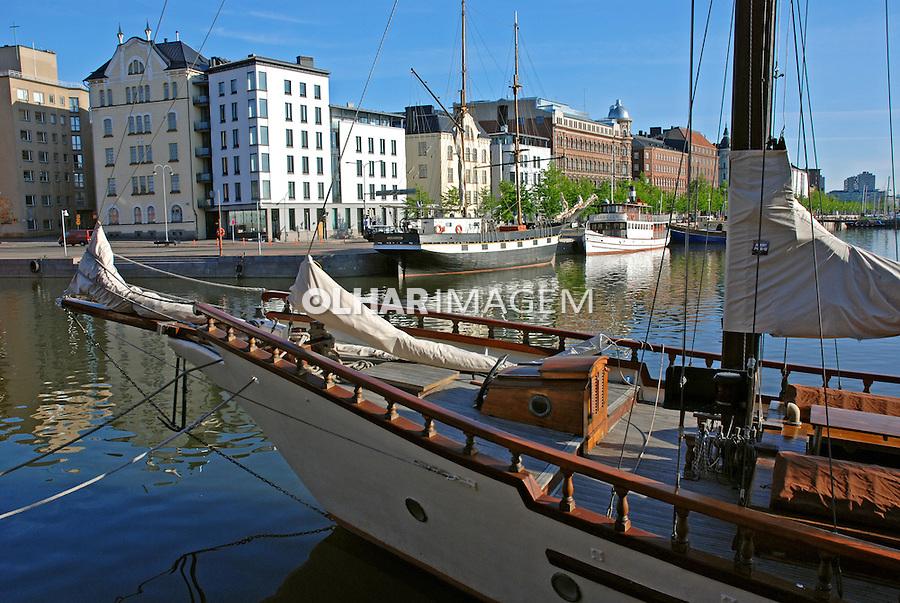 Barcos no porto em Helsinki. Finlândia. 2007. Foto de Vinicius Romanini.
