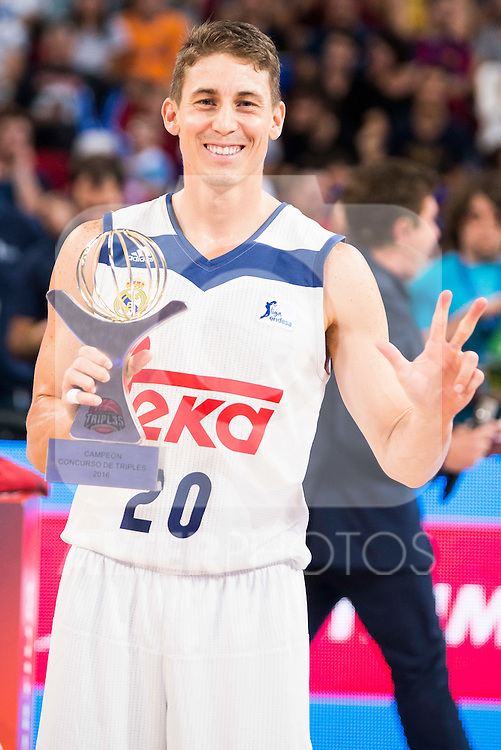 Real Madrid's player Jaycee Carroll win the 3 shot contest of Supercopa of Liga Endesa Madrid. September 24, Spain. 2016. (ALTERPHOTOS/BorjaB.Hojas)