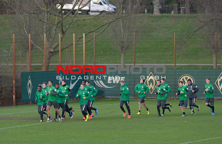 07.01.2014, Trainingsgelaende, Bremen, GER, 1.FBL, Training Werder Bremen, im Bild Lauftraining<br /> <br /> Foto &copy; nordphoto / Frisch