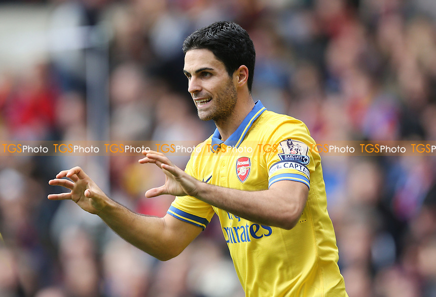 Mikel Arteta celebrates after scoring the 1st goal for Arsenal - Crystal Palace vs Arsenal, Barclays Premier League at Selhurst Park, Crystal Palace - 26/10/13 - MANDATORY CREDIT: Rob Newell/TGSPHOTO - Self billing applies where appropriate - 0845 094 6026 - contact@tgsphoto.co.uk - NO UNPAID USE