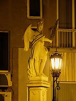 Brückenfigur auf der Michalska, Bratislava, Bratislavsky kraj, Slowakei, Europa<br /> statue on bridge at Michalska, Bratislava, Bratislavsky kraj, Slovakia, Europe