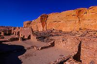 Chetro Ketl (begun around 1020 and had an estimated 500 rooms and 16 kivas), Chaco Culture National Historical Park (Chaco Canyon), New Mexico USA.