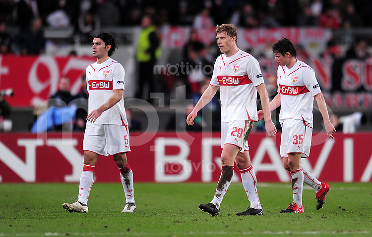 FUSSBALL  International  Champions   League  Hinspiel   SAISON 2009/2010    VfB Stuttgart -  FC Barcelona      23.02.2010 Serdar Tasci,   Pavel Pogrebnyak, Pawel Pogrebnjak , Christian Traesch (v. li., VfB Stuttgart)