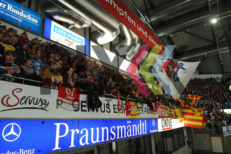 ERC Ingolstadt - Duesseldorfer DEG<br /> Duesseldorfs Fans im Spiel der DEL, ERC Ingolstadt - Duesseldorfer EG.<br /> <br /> Foto &copy; P-I-X.org *** Foto ist honorarpflichtig! *** Auf Anfrage in hoeherer Qualitaet/Aufloesung. Belegexemplar erbeten. Veroeffentlichung ausschliesslich fuer journalistisch-publizistische Zwecke. For editorial use only.
