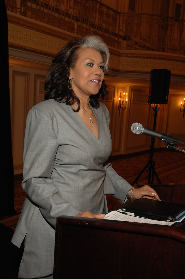Michelle Flow­ers Welch was awarded the Publicity Club of Chicago's 2012 Lifetime Achievement Award in May 2012 at PCC's Golden Trumpet Awards dinner. [Photo by The Kring Group (formerly Kring Lerner Group)]