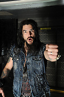 Machine Head Front Man Diagnosed With Severe Lung Infection