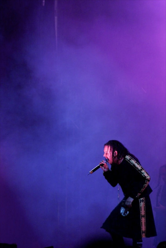 Anaheim--Edison International Field--KROQ Weenie Roast--Korn's lead singer Jonathan Davis performs in the purple and blue lights as the headlining act took the stage and topped off a day filled with music.