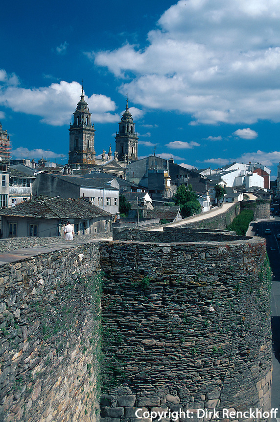 römische Stadtmauer in Lugo, Galicien, Spanien, Unesco-Weltkulturerbe