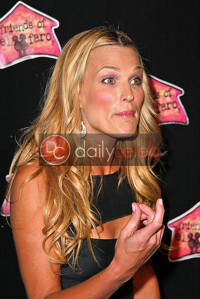"""Molly Sims<br /> at the 3rd Annual """"Night With The Friends of El Faro"""" Benefit, Henry Fonda Theater, Hollywood, CA 05-13-05<br /> David Edwards/DailyCeleb.Com 818-249-4998"""