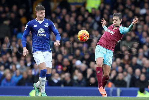 05.03.2016. Goodison Park, Liverpool, England. Barclays Premier League. Everton versus West Ham. Ross Barkley of Everton and Manuel Lansing of West Ham United compete for control of the ball.
