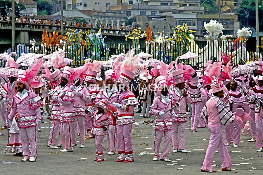 Desfile de carnaval da Mangueira, Rio de Janeiro. 1984. Foto de Juca Martins.