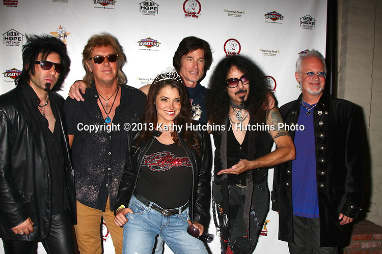 LOS ANGELES - JUN 3:  Player (including Ronn Moss), Devin DeVasquez at the Player Concert celebrating Devin DeVasquez 50th Birthday to benefit Shelter Hope Pet Shop at the Canyon Club on June 3, 2013 in Agoura, CA