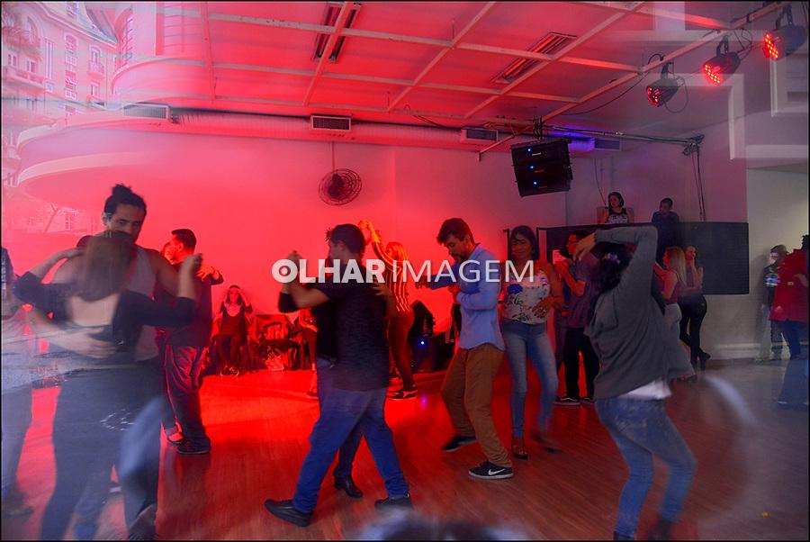 Baile popular, Galeria Olido, Rua Dom Jose de Barros, Sao Paulo. 2018. Foto © Juca Martins.