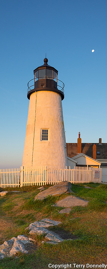 Lincoln County, Maine: Morning light on Pemaquid Point Lighthouse (1835)