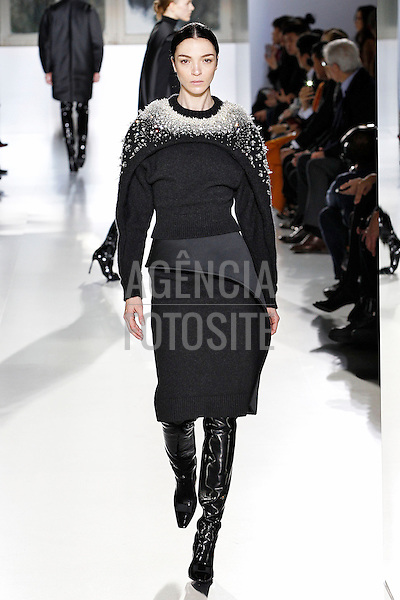 Paris, Franca &ndash; 02/2014 - Desfile de Balenciaga durante a Semana de moda de Paris - Inverno 2014. <br /> Foto: FOTOSITE