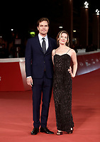 "L'attore statunitense Michael Shannon posa con la compagna l'attrice statunitense Kate Arrington sul red carpet per la presentazione del film ""Trouble No More"" durante la Festa del Cinema di Roma, 2 novembre 2017.<br /> US actor Michael Shannon poses with US actress  Kate Arrington on the red carpet to present the movie ""Trouble No More"" during the international Rome Film Festival at Rome's Auditorium, November 2, 2017.<br /> UPDATE IMAGES PRESS/Isabella Bonotto"