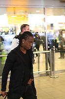FRANCA, LONDRES, 04 DE FEVEREIRO DE 2013 - DESEMBARQUE SELECAO DO BRASIL - Arouca da Selecao Brasileira desembraca no aeroporto de Heatrow em Londres, nesta segunda-feira,(4), para Amistoso Internacional contra Inglaterra. FOTO: GUILHERME ALMEIDA / BRAZIL PHOTO PRESS