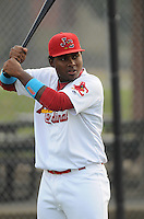 Infielder Roberto De La Cruz (31) of the Johnson City Cardinals, Appalachian League affiliate of the St. Louis Cardinals, prior to a game against the Danville Braves on August 19, 2011, at Howard Johnson Field in Johnson City, Tennessee. Danville defeated Johnson City, 5-4, in 16 innings. (Tom Priddy/Four Seam Images)