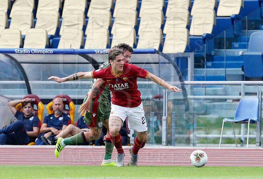Roma's Nicolo' Zaniolo, foreground, is chased by Cagliari's Luca Cigarini during the Serie A soccer match between Roma and Cagliari at Rome's Olympic Stadium, October 6, 2019. UPDATE IMAGES PRESS/ Riccardo De Luca