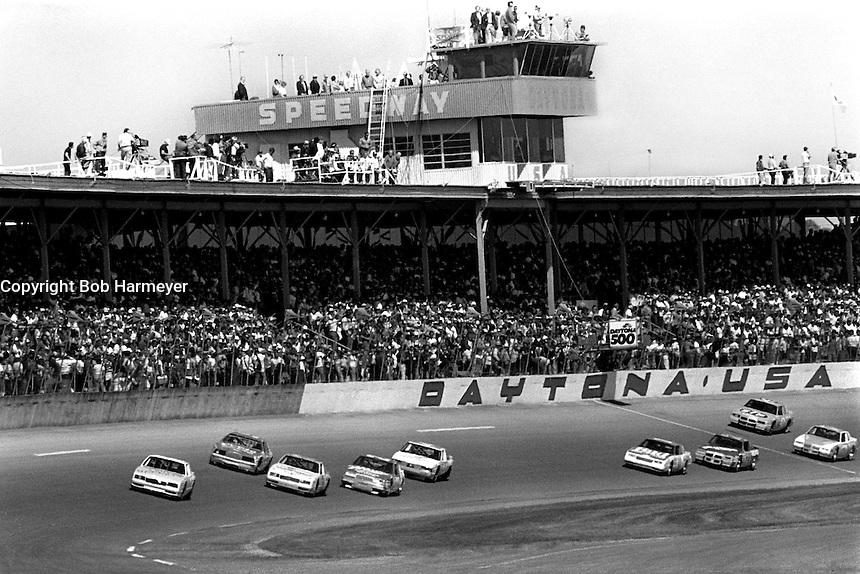 DAYTONA BEACH, FL - FEBRUARY 16: Geoff Bodine drives his Rick Hendrick Chevrolet at the head of the field en route to victory in the Daytona 500 NASCAR Winston Cup race at the Daytona International Speedway in Daytona Beach, Florida, on February 16, 1986.