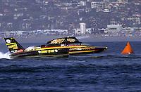 U-2, driver Mark Tate.Hydros-PROP Bayfair,San Diego,CA,USA 9.17.2000.©F.Peirce Williams 2000..