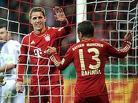 Fussball DFB Pokal:  Saison   2011/2012  2. Runde  26.10.2011 FC Bayern Muenchen - FC Ingolstadt 04 JUBEL nach dem Tor , Nils Petersen , Rafinha (v. li., FC Bayern Muenchen)