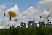 STONEHENGE, INGLATERRA, 17.09.2010 – TURISMO-STONEHENGE – Vista de Stonehenge, que fica próximo da cidade de Salisbury, na Inglaterra. Stonehenge foi construída em pedra, possuí 5 metros de altura e estimasse que possua 50 toneladas. (Foto: Ricardo Botelho/Brazil Photo Press)