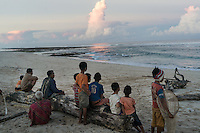 "March 28, 2016 - Wainyapu (Indonesia). Villagers look at the shore with the hope of finding some ""Nyale"", multicolored sea worms, which appear only once each year and that are used for the opening ceremony of the Pasola. Unfortunately they couldn't find any. © Thomas Cristofoletti / Ruom"