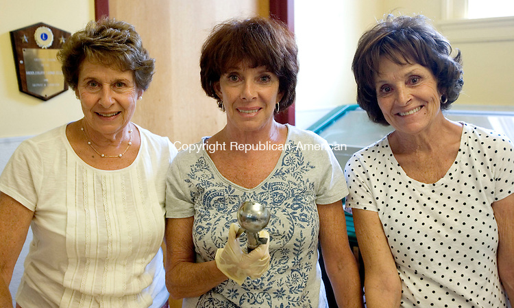 MIDDLEBURY CT. 24 July 2014-072414SV11-Three sisters, from left, JoAnn Cappelletti of Middlebury, Paula Pastore of Watertown, and Linda LeFevre of Phoenix AZ. attend the Ice Cream Social at the Middlebury Senior Center in Middlebury Thursday. <br /> Steven Valenti Republican-American