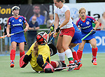 Mannheim, Germany, September 27: During the 1. Bundesliga Damen Saison 2014/15 field hockey match between Mannheimer HC and TSV Mannheim on September 27, 2014  Mannheimer Hockey Club in Mannheim, Germany. Final score 3-3 (2-3). (Photo by Dirk Markgraf / www.265-images.com) *** Local caption *** Friederike Schreiber (TW) of TSV Mannheim, Tanja Fabig #31 of TSV Mannheim