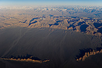 "Asien CHINA Provinz Xinjiang, Tarim Becken im Winter, Taklamakan Wueste und Tien Shan Gebirgsmassiv   | .Asia CHINA Province Xinjiang, Tarim Basin, Taklamakan desert und Tien Shan mountains .| [ copyright (c) Joerg Boethling / agenda , Veroeffentlichung nur gegen Honorar und Belegexemplar an / publication only with royalties and copy to:  agenda PG   Rothestr. 66   Germany D-22765 Hamburg   ph. ++49 40 391 907 14   e-mail: boethling@agenda-fototext.de   www.agenda-fototext.de   Bank: Hamburger Sparkasse  BLZ 200 505 50  Kto. 1281 120 178   IBAN: DE96 2005 0550 1281 1201 78   BIC: ""HASPDEHH"" ,  WEITERE MOTIVE ZU DIESEM THEMA SIND VORHANDEN!! MORE PICTURES ON THIS SUBJECT AVAILABLE!! ] [#0,26,121#]"