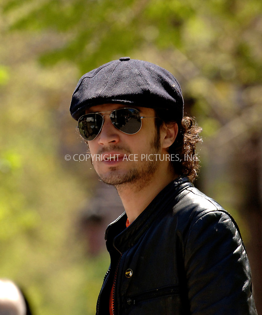 WWW.ACEPIXS.COM . . . . .  ....**EXCLUSIVE-FEE MUST BE AGREED BEFORE USE**....NEW YORK, MAY 4, 2006....Fabrizio Moretti seen walking to his home which he shares with Drew Barrymore in the West Village.....Please byline: BRETT KAFFEE-ACEPIXS.COM.... *** ***..Ace Pictures, Inc:  ..(212) 243-8787 or (646) 769 0430..e-mail: picturedesk@acepixs.com..web: http://www.acepixs.com