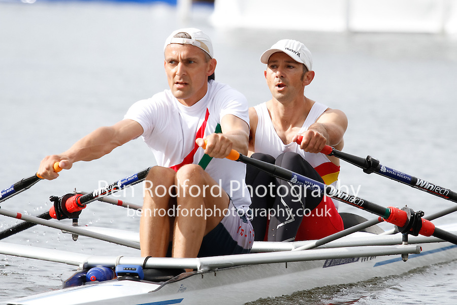 Race 5  -  Event: Doubles  -   Berks: 566 J.R. Thompson &amp; T.K. Carter  -   Bucks: 559 T.D.A.C. Male &amp; M.R. Mitchell<br /> <br /> Thursday - Henley Royal Regatta {iptcyear4}<br /> <br /> To purchase this photo, or to see pricing information for Prints and Downloads, click the blue 'Add to Cart' button at the top-right of the page.
